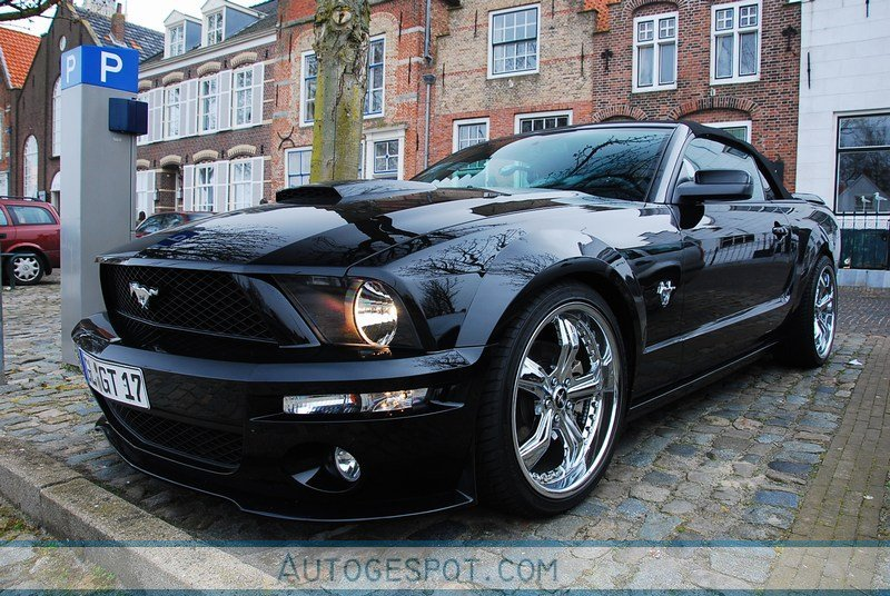 ford mustang gt convertible 45th anniversary edition 4. Black Bedroom Furniture Sets. Home Design Ideas