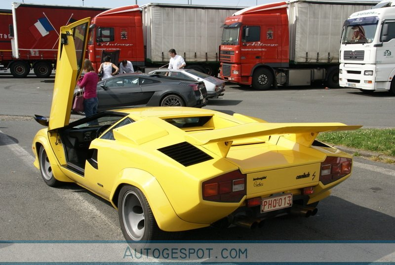 lamborghini countach lp400 s 16 june 2009 autogespot. Black Bedroom Furniture Sets. Home Design Ideas