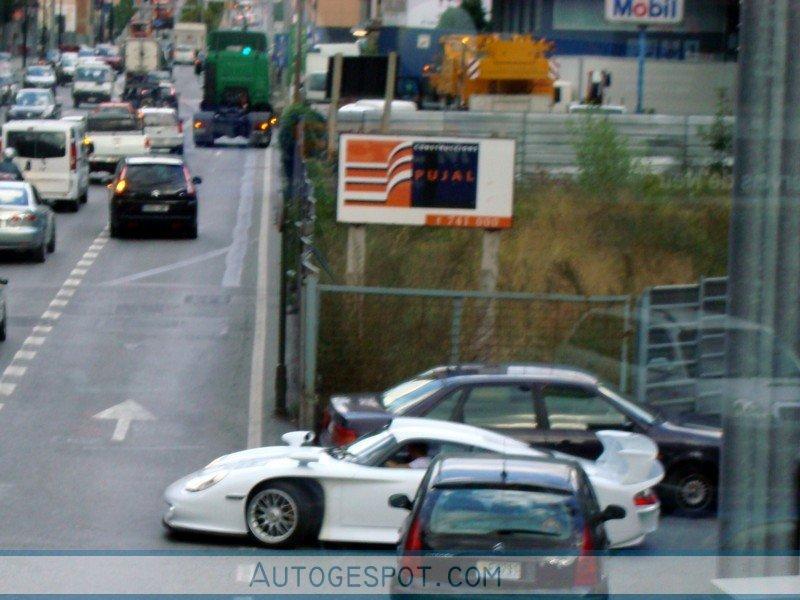 Porsche 996 GT1 1