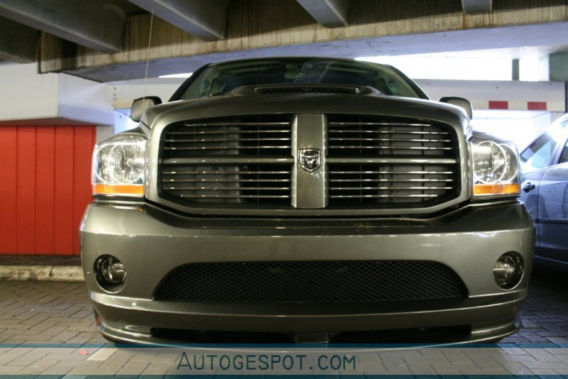 Dodge RAM SRT-10 Quad-Cab 3