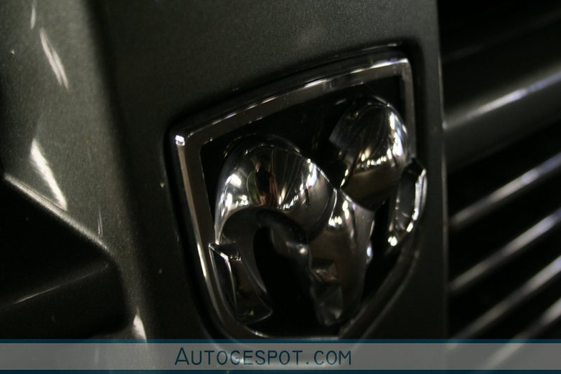 Dodge RAM SRT-10 Quad-Cab 4