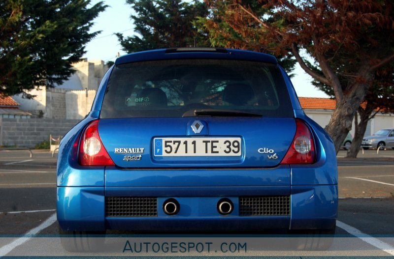 renault clio v6 phase ii 23 ao t 2009 autogespot. Black Bedroom Furniture Sets. Home Design Ideas